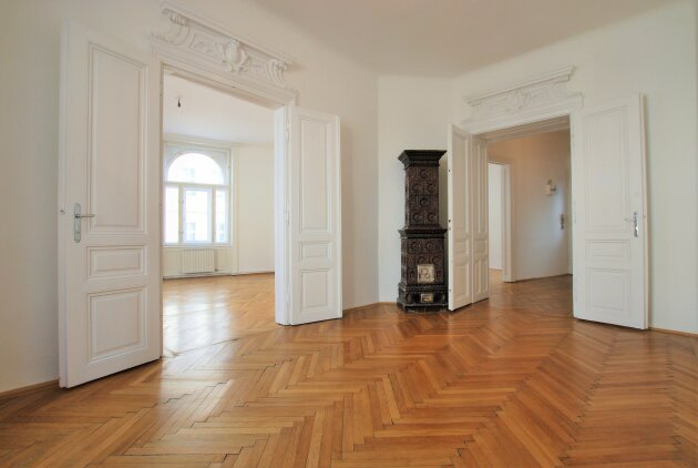 UNBEFRISTET - ca. 110 m² - 3 Zimmer - separate Küche - 2. Liftstock