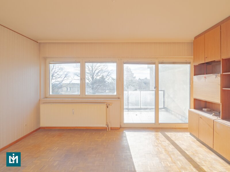 Renovierungsbedürftige, ruhige 2 Zimmer Wohnung mit Balkon in Grünruhelage