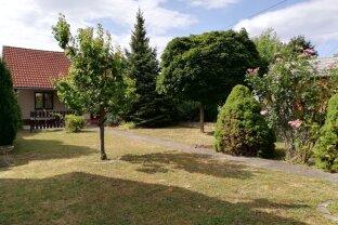 DB Immobilien  -  Kurpark Oberlaa...Kleingartenhaus mit großem Garten zum VERLIEBEN!