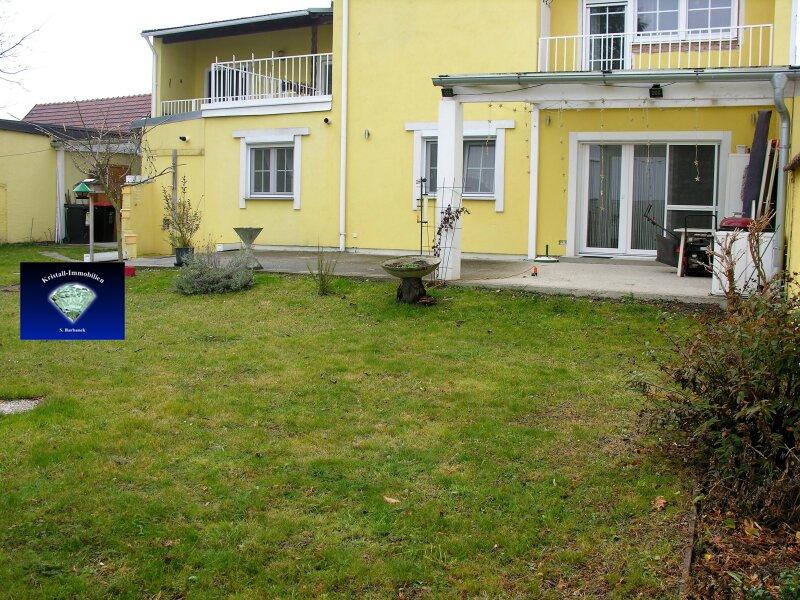 Wunderschöne, sehr gepflegte Wohnung mit eigenem Garten in einem Zweifamilienhaus - 0127400