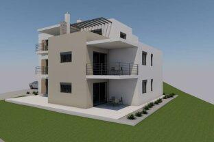 Hochwertige Vier-Zimmer-Wohnung mit Garten in Porec