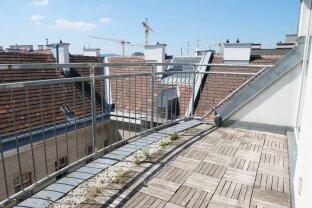 Sonnige 70m² DG-Wohnung + Terrasse mit Einbauküche in Top City-Lage!