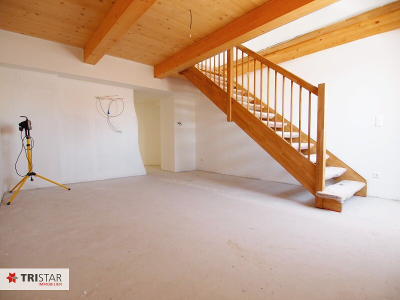 Hochwertig errichtete 2,5 Zimmer DG-Maisonette mit Küche, Abstellraum, Terrasse und fantastischem Wienblick! /  / 1100Wien / Bild 1