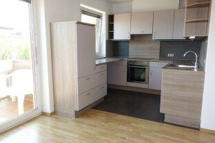 Ganz oben mit herrlicher Aussicht!  Hübsche 2-Zimmer-Wohnung in Ruhelage Lehen & Tiefgarage