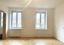+++ WOHLFÜHLOASE +++ Provisionsfreie 2-Zimmer-Wohnung mit Balkon in zentraler Lage