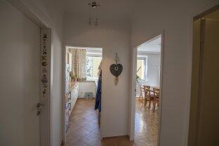 Baden Top Lage: Sehr schöne, südseitige 2 Zimmer Wohnung