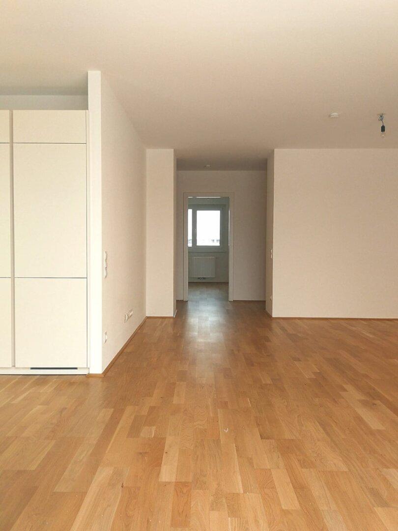 Wohnküche - Blick zu den Zimmern