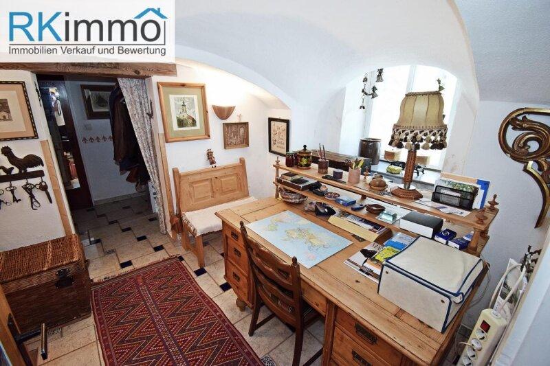 Landhaus mit mediterranen Flair in Ruhelage,  bestgepflegtes äußerst geschmackvolles Einfamilienhaus mit uneinsehbaren Garten /  / 2191Gaweinstal / Bild 2