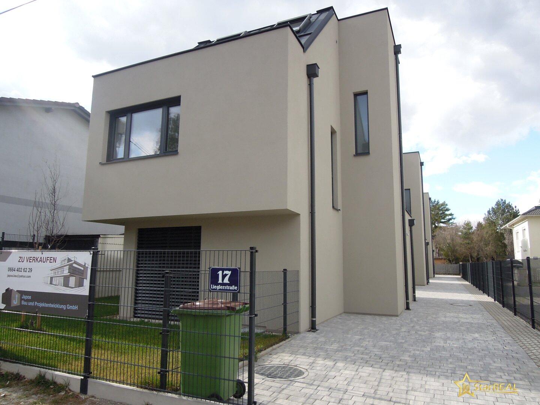 Zufahrt wunderschöne Einfamilienhäuser