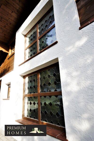 Breitenbach am Inn - Elegantes Landhaus - Haus-Ansicht Norden - Bleiverglasung Handwerkskunst