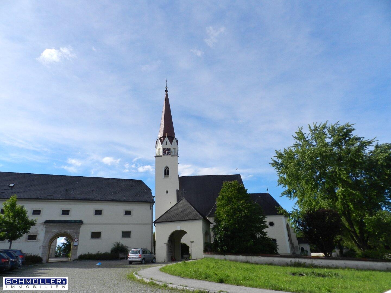 In Ihrer Nähe die Thalheimer Pfarrkirche...