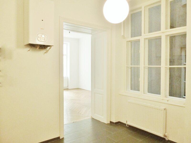 Sonnige, charmante 2-Zimmer Altbauwohnung