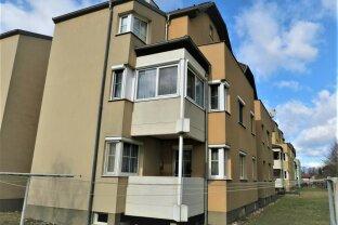 Wohnung mit Potenzial! 4 Zimmer, Balkon, Loggia!