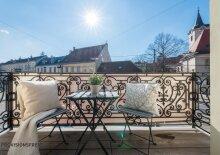 Helle Wohnung mit Balkon