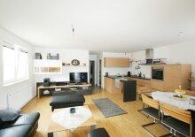 Neuwertige 4-Zimmer-Wohnung mit Terrasse!