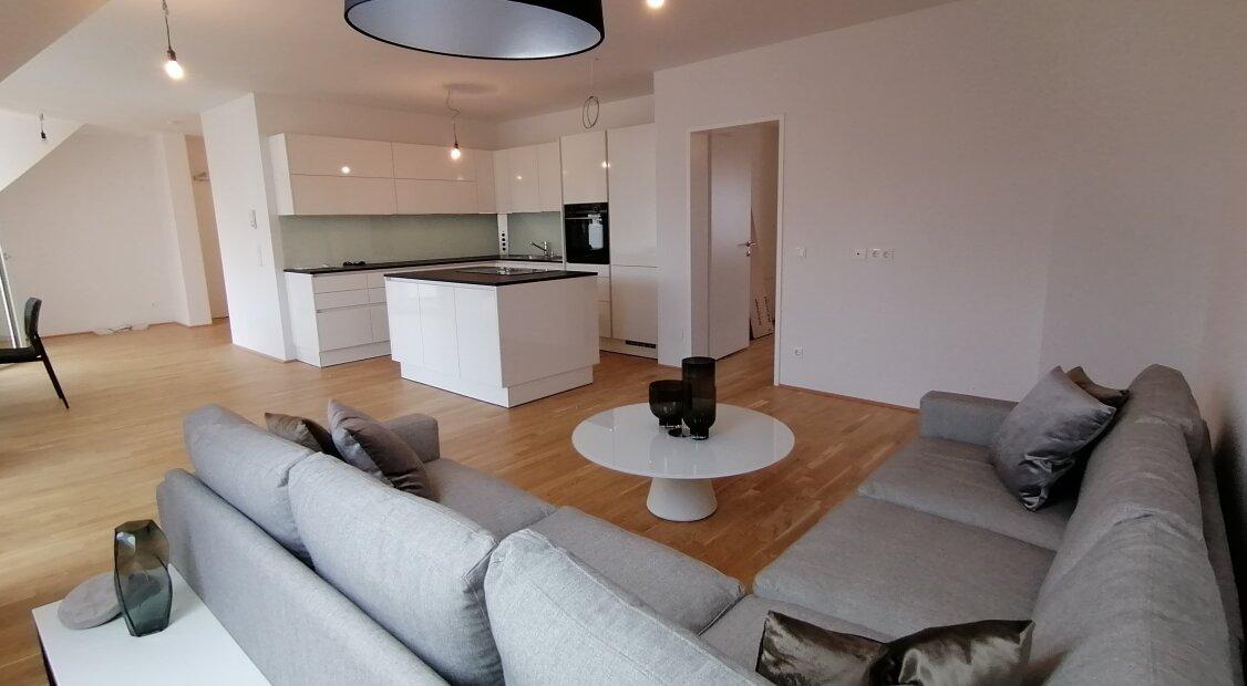1140! Provisionsfrei! Moderne DG-Wohnung mit 4 Terrassen und Weitblick!
