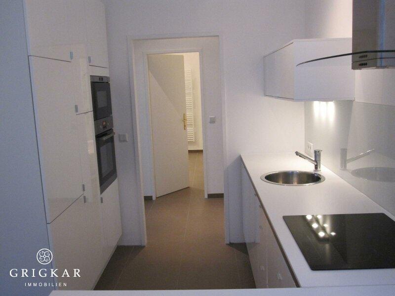 Moderne Altbauwohnung / Büro Nähe Rathausplatz