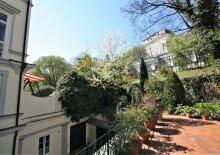 Einmaliges, exklusives Altbaujuwel mit riesiger Terrasse und Eigengarten in Bestlage in 1090 Wien!