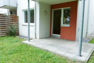 Ruhig gelegene, top ausgestattete 2 Zimmer-Gartenwohnung mit Terrasse