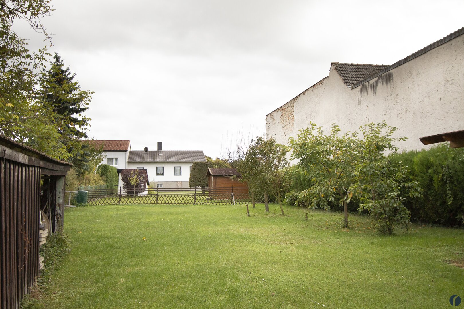 der Garten hinter dem Haus