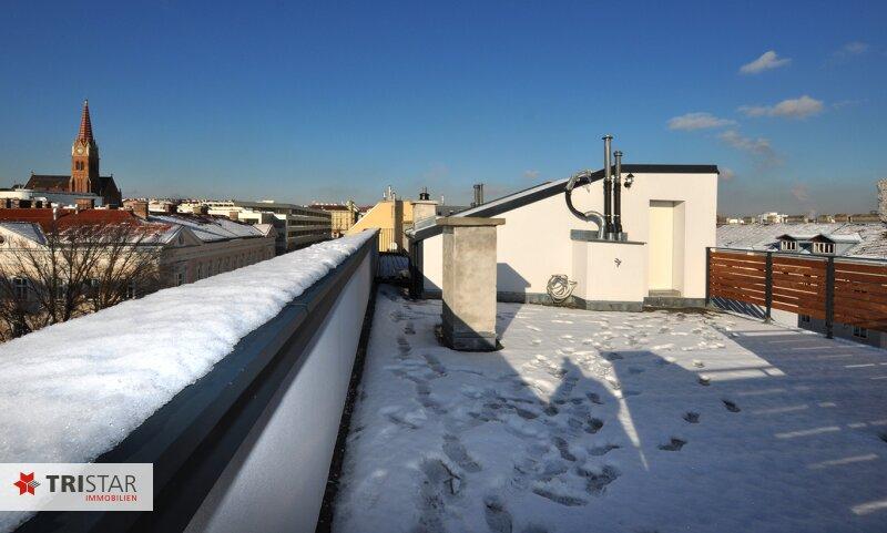 ++NEU++ 3-Zimmer-Dachgeschoßwohnung mit großer Dachterrasse im Generalrevitalisierte Altbau-Haus ++Nähe U-Bahn (U3) +++ /  / 1150Wien / Bild 8