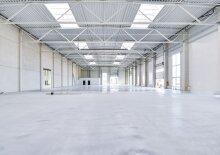 Warehouse, Production 1250 m2 north of Vienna in Gerasdorf, Austria to let