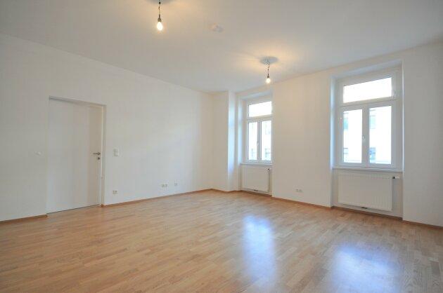 Foto von Helle 3-Zimmer Altbauwohnung samt Balkon!! (WG-Tauglich!!)