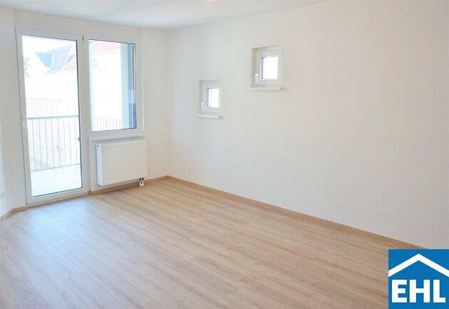 Sonnwendviertel: schön sanierte helle 2 Zimmerwohnung mit Freifläche!