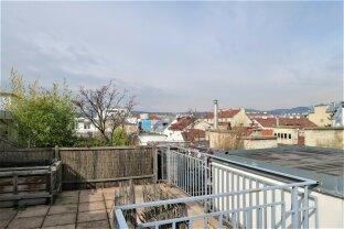 Altbaujuwel mit großer Dachterrasse und Fernblick!