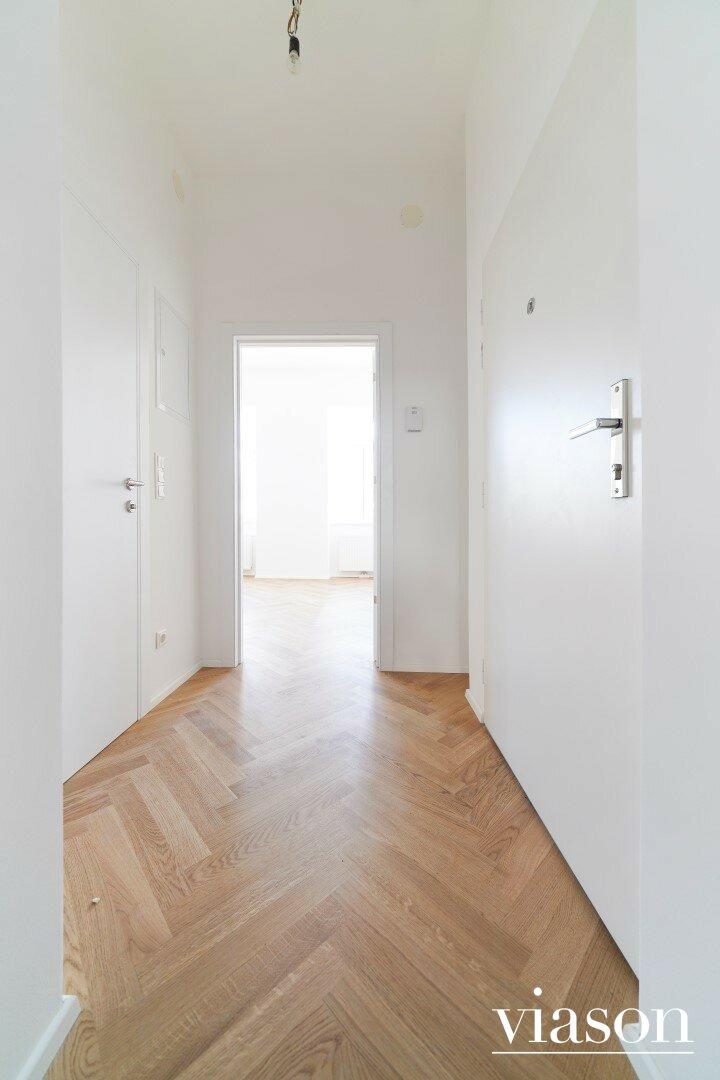 Eingangsbereich - Blick ins Schlafzimmer
