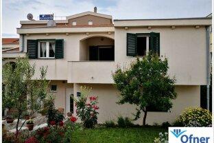 Kroatien / Zadar: renoviertes Haus mit fünf Apartments zu kaufen