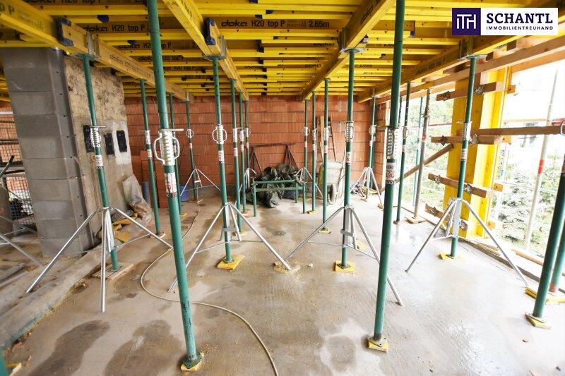 Neubau-HIT mit hofseitigem Balkon! TOP-Ausstattung + Rundum saniertes Haus + Perfekte Anbindung und Infrastruktur + Ruhelage! Jetzt zugreifen!