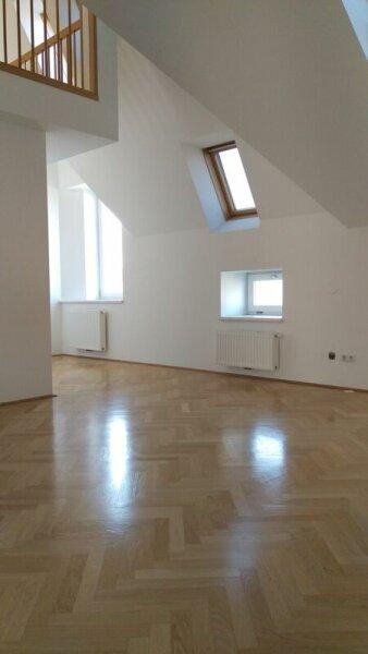 Neubau mit Dachterrasse - Galerie - Komplettküche & Klimaanlage
