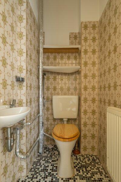 ++NEU++ Modernisierungsbedürftige 2-Zimmer Altbauwohnung, schönes Haus, viel Potenzial! /  / 1050Wien / Bild 7