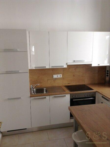 gepflegte, unbefristete Altbauwohnung in Stilhaus, Innenstadtnähe /  / 1040Wien / Bild 1