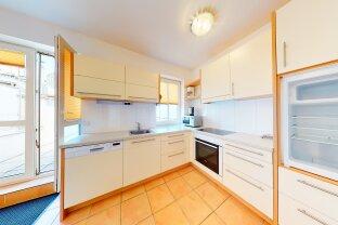 Sehr schöne helle DG-Wohnung mit Terrasse!! 360 GRAD Besichtigung!! TOP LAGE!!! 1100 WIEN!!