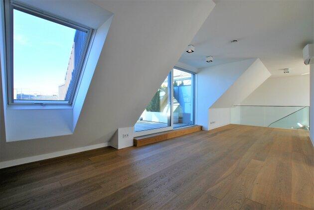 ZENTRUMSNAH - ca. 154 m² - 4 Zimmer - 2 Terrassen - Markenküche - 10 Jahre befristet