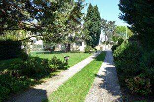 Villa mit Südgarten und Ausbaupotential in Gehnähe zu Grinziger Ortszentrum!