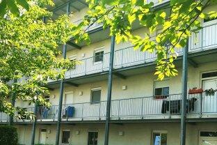 4-Zimmer Wohnung mit verglaster Loggia!