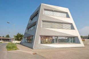 Bürogebäude zu verkaufen - teilweise vermietet! Ideal für Anleger!