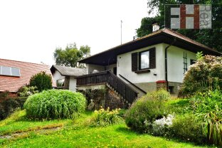 ERFOLGREICH VERMITTELT! Fernblick auf Buchbergwarte, kleines, renovierungsbedürftiges Haus mit schönem Garten