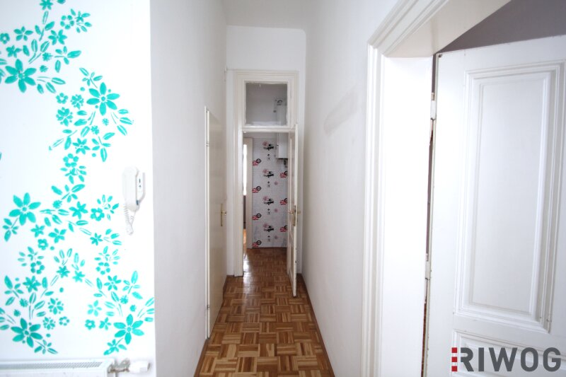***Charmante Altbauwohnung---Saniertes Haus---Schlafzimmer mit Innenhoflage*** /  / 1050Wien / Bild 5