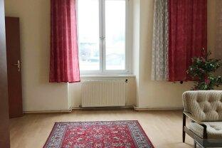 Obergeschoß einer Villa für Ordination, Büro oder Kanzlei zur Vermietung!
