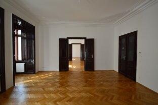 Repräsentative 5 Zimmer Wohnung mit Balkon Nähe Rahlstiege