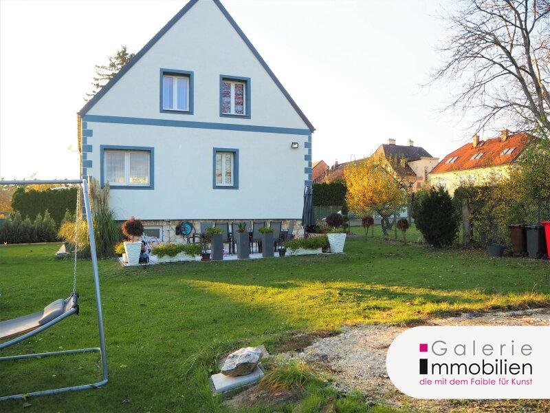 Charmantes Einfamilienhaus mit großem Garten - Doppelgarage Objekt_33873