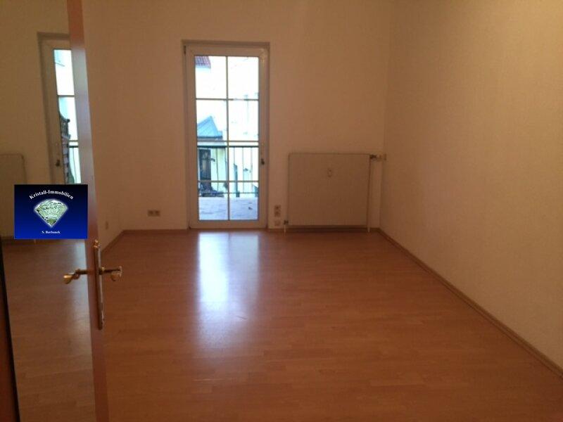Liebe Mietwohnung mit kleinem Balkon - 012795