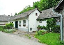 Modernisiertes und schön ausgestattetes Einfamilienhaus in idyllischer Waldlage, Obj. 12384-WE
