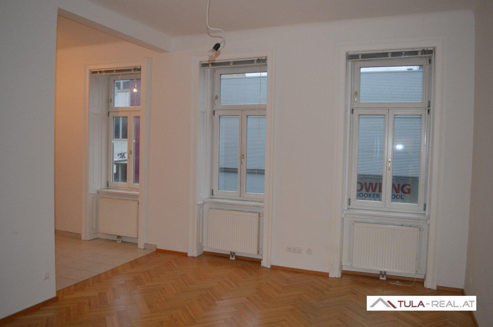 Wohnzimmer (Archivfoto bei Tageslicht)