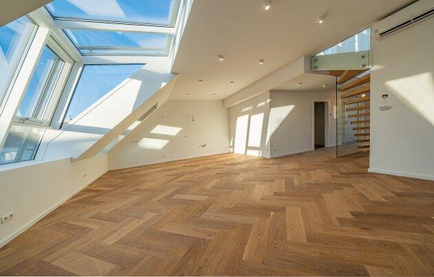 Foto von NEU! ++ ERSTBEZUG ++ 1080 Wien + Luftwärmepumpe + Fußbodenheizung + Rollläden + Klimaanlage + BUSSYSTEM + Dachgeschoss-Wohnung mit WINTERGARTEN sowie BALKON und DACHTERRASSE +