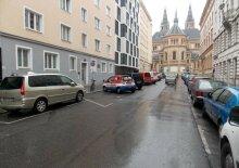 VERKAUFT 2 Zimmer Wohnung - Bestlage am Bennoplatz - reparaturbedürftig